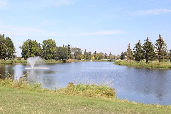 Vegreville Elks Park and Fish Pond