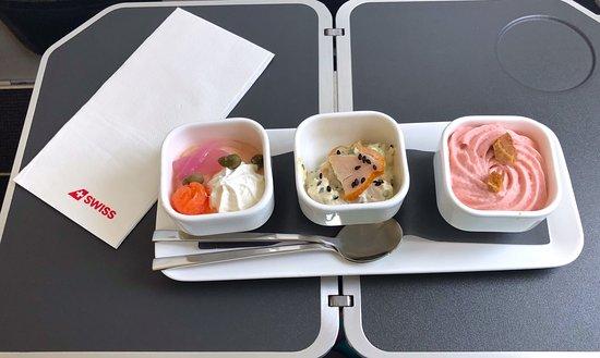Swiss International Air Lines [SWISS]: Drei wundervolle Köstlichkeiten