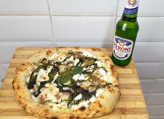Pizza friarielli e salsiccia
