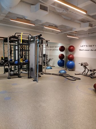 Excellent globalist recognition, beautiful rooms, world class gym