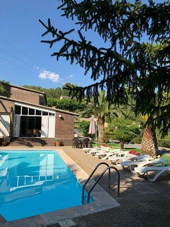 Almoster, Spania: Piscina privada en Casa Picarany, ideal para niños y familia toda, ya que es poco profunda.