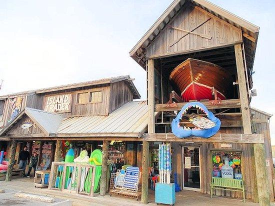 Flo Flounder's Beach, Booze & Boutique