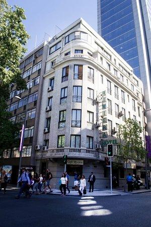 Riviera Hotel: Ubicado a pasos del Metro Santa Lucía (Linea 1)