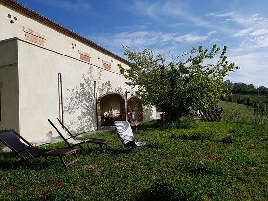 Province of Pesaro and Urbino, Italien: Sonne tanken
