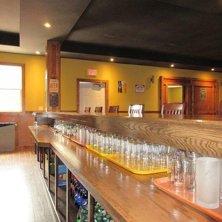 Newfoundland and Labrador, Kanada: Fully Stocked Bar