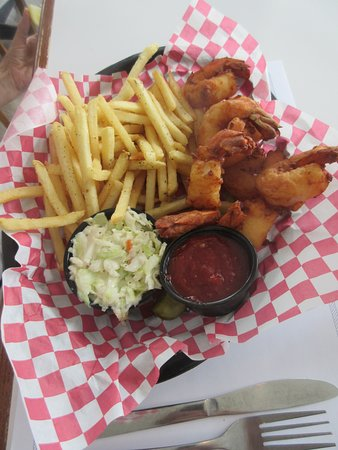 Boathouse on the Bay: Shrimp and fries