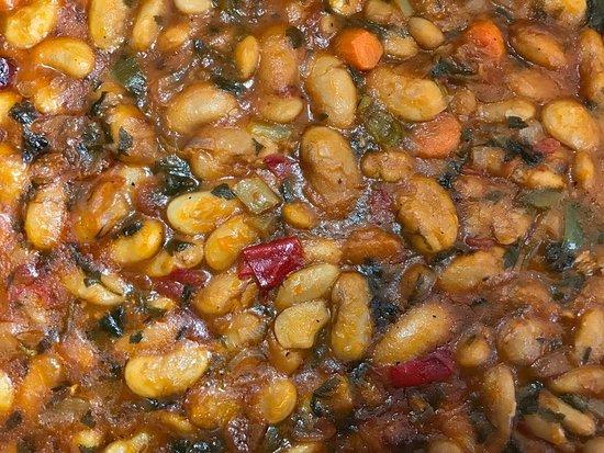 Tabouras: Traditional baked beans Γίγαντες στον φούρνο