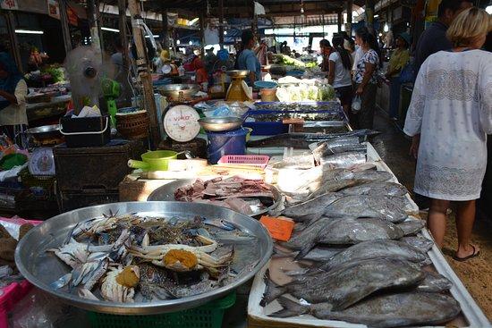 Hua Thanon Beach: Hua Thanon Wet Market (Muslim market).