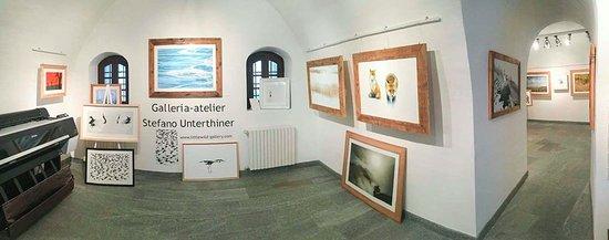 Bard, İtalya: La Gallery vista dall'ingresso