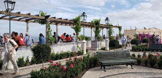 Miradouro de Santa Luzia: praça