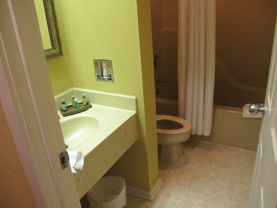 Entry level athroom
