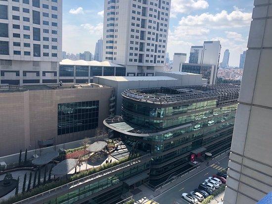 15 Floor! Excellent View!