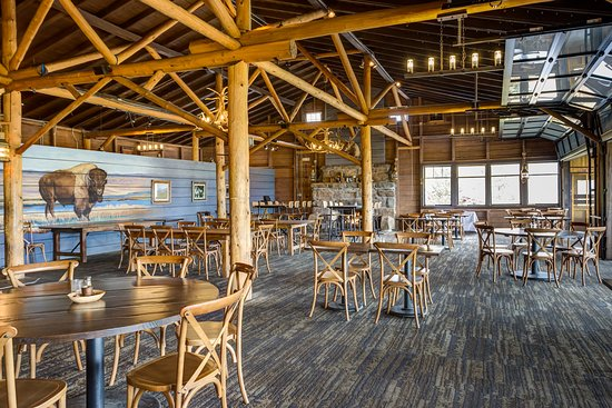 Huntington House Tavern at Grand Lake Lodge