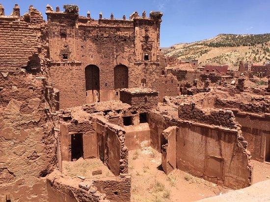 Marrákeš, Maroko: Kazbah (na estrada dos 1.000 kazbahs, por onde passavam as caravanas que vinham do deserto para Marrakech)