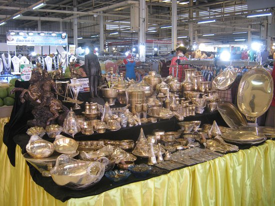 Thai arts, crafts, gifts for sale