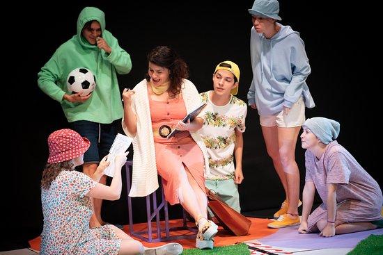 Teatro Espressivo: Pantalones cortos