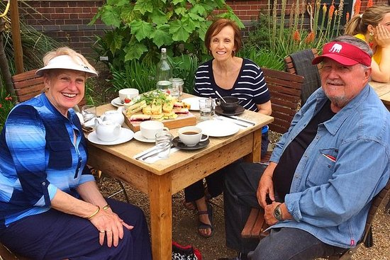Secret Gardens Tour of London with Afternoon Tea