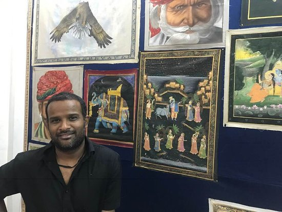 Locky Art School & Art Gallery