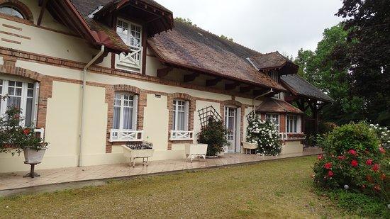 Maison La Longere: Extérieur de la maison