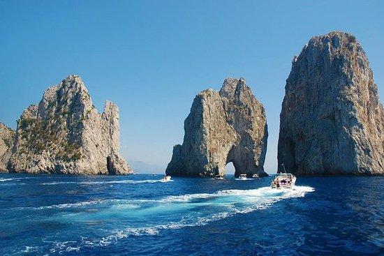 Passeio de barco em Capri: Living la...