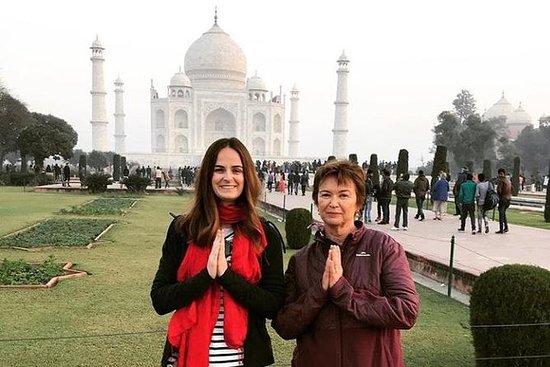 Privat Agra Taj Mahal Tour vid Gatimaan ...