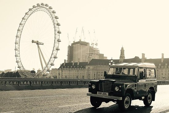 Private London Landmarks by Car: Private London Landmarks in a Classic Land Rover