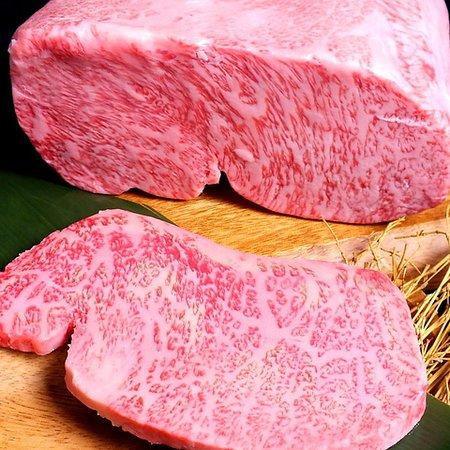 Yakiniku Ozeki Azabujuban: 深い味わいとまろやかな脂質が魅力の、ブランド和牛「山形牛」
