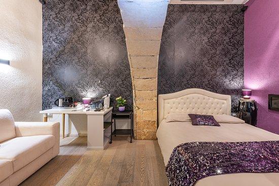 Letto A Castello Traduzione Inglese.Martini Rooms Castello Hotel Cagliari Sardegna Prezzi 2019 E