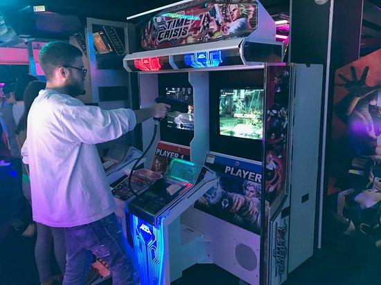 Arcade Club Leeds: Time crisis 4
