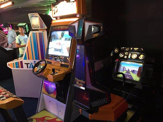 Arcade Club Leeds: Thunder blade and Crazy Taxi