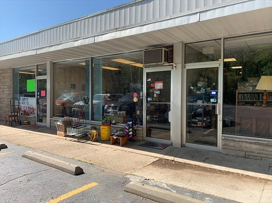 Portage, IN: JD's Resale Store