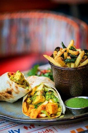 Paneer wrap and tama chips