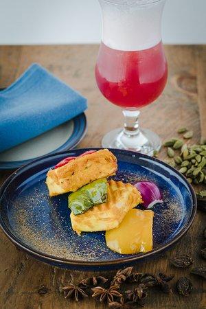 Aamcha Eastern Kitchen: Starter & Cocktails