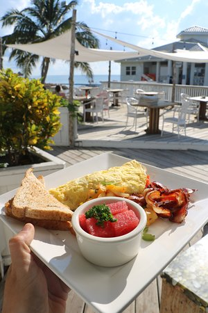 Pier 366 Seafood House : Breakfast with a Caribbean view, anyone?