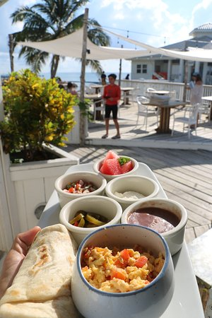 Pier 366 Seafood House : Belizean breakfast only at Pier 366