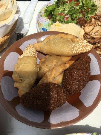 Falafel: salés au fromage et à la viande, un délice !