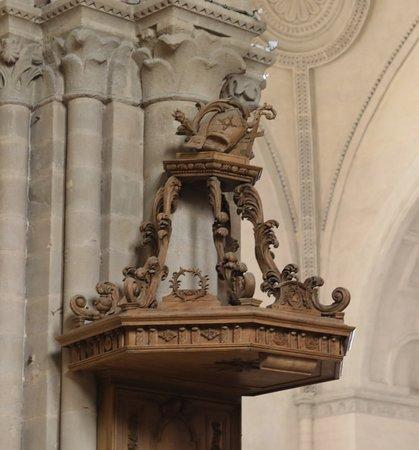 ลาวาล, ฝรั่งเศส: Vue intérieure de l'église