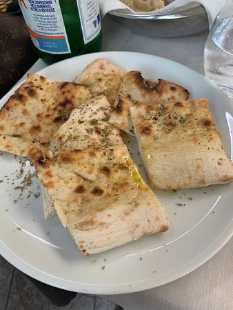 Ristorante Pizzeria Tasso : atıştırmalık ekmek