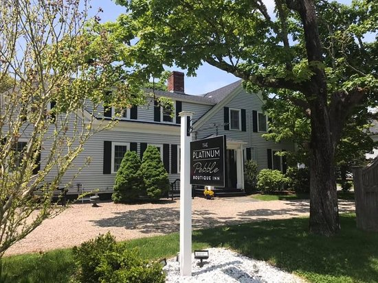 The Platinum Pebble Boutique Inn: Cutest bed and breakfast in Cape Cod!!