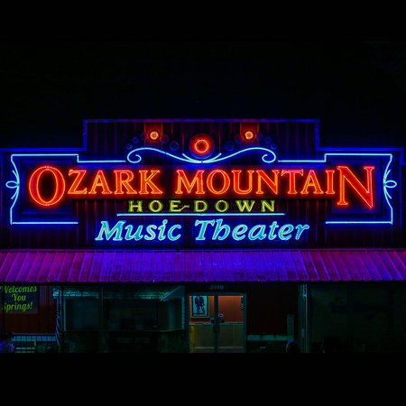 Ozark Mountain Hoe-Down Music Theater