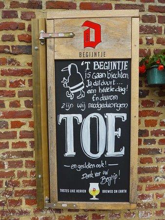 Het Begijntje: Sint-Truiden, 't Begijntje, closed ('toe' in Dutch)