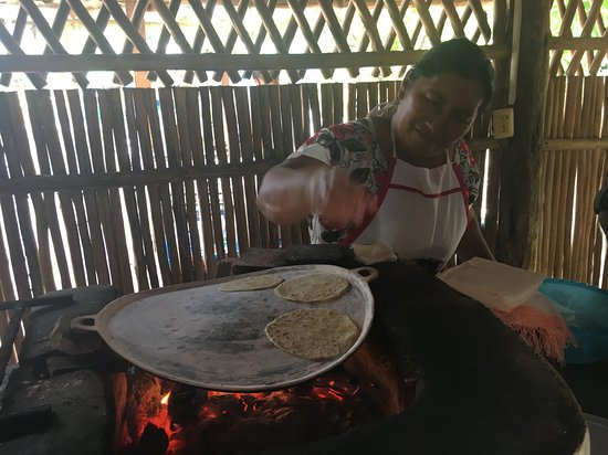 The Native Choice Tours : Cooking them up!