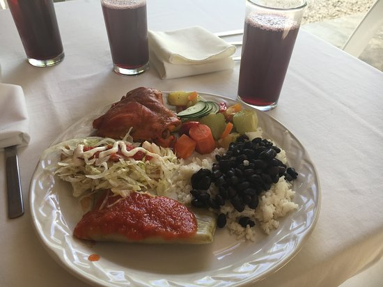The Native Choice Tours : A Wonderful Lunch.....with hibiscus tea!