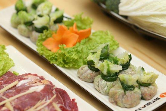 Lau Hap iSteam: Thịt cuộn rau cải