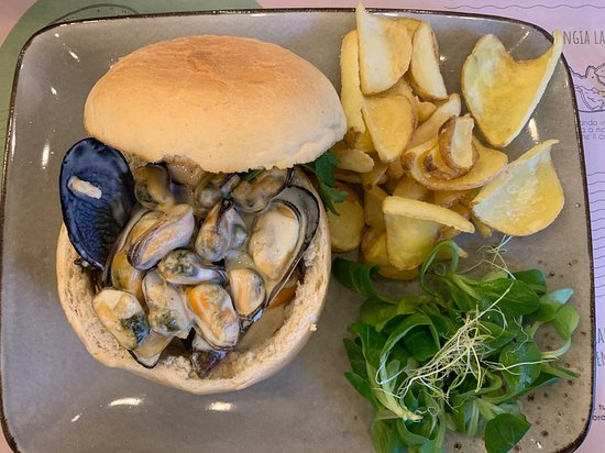 """BŌL house: """"Bol"""" con moules & frites"""