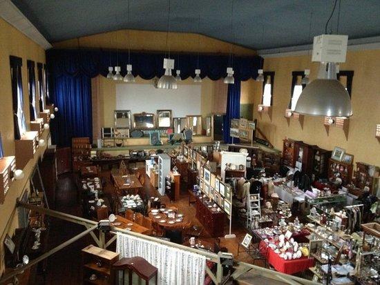Gundagai, Úc: huge area with the antiques