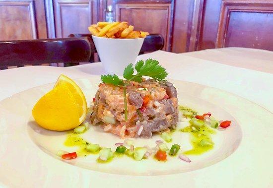 Ce midi, le Chef vous propose sont délicieux tartare de saumon et de thon. Crédit : Mohca