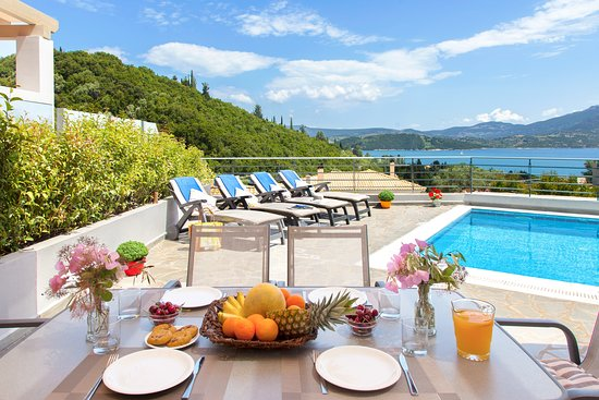 Thealos Village Resort Lefkada: View from the open space living room of the 2 bedroom villas.