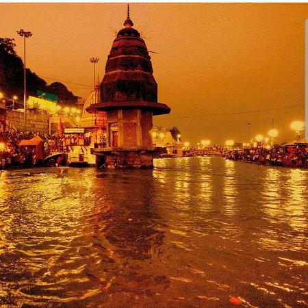 Auto con autista Rajasthan con AGRA varanasi Kolkata