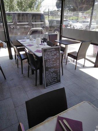 Salle et terrasse couverte - Bild von Restaurant L\'Instant ...